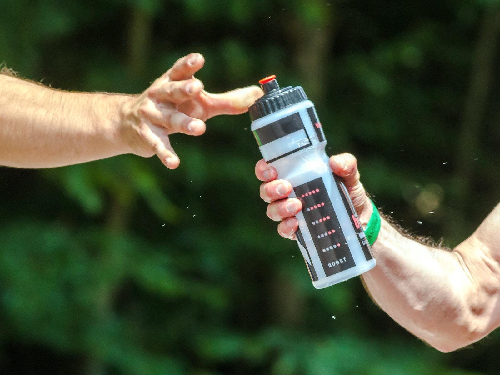 как заставить себя пить воду если не хочется