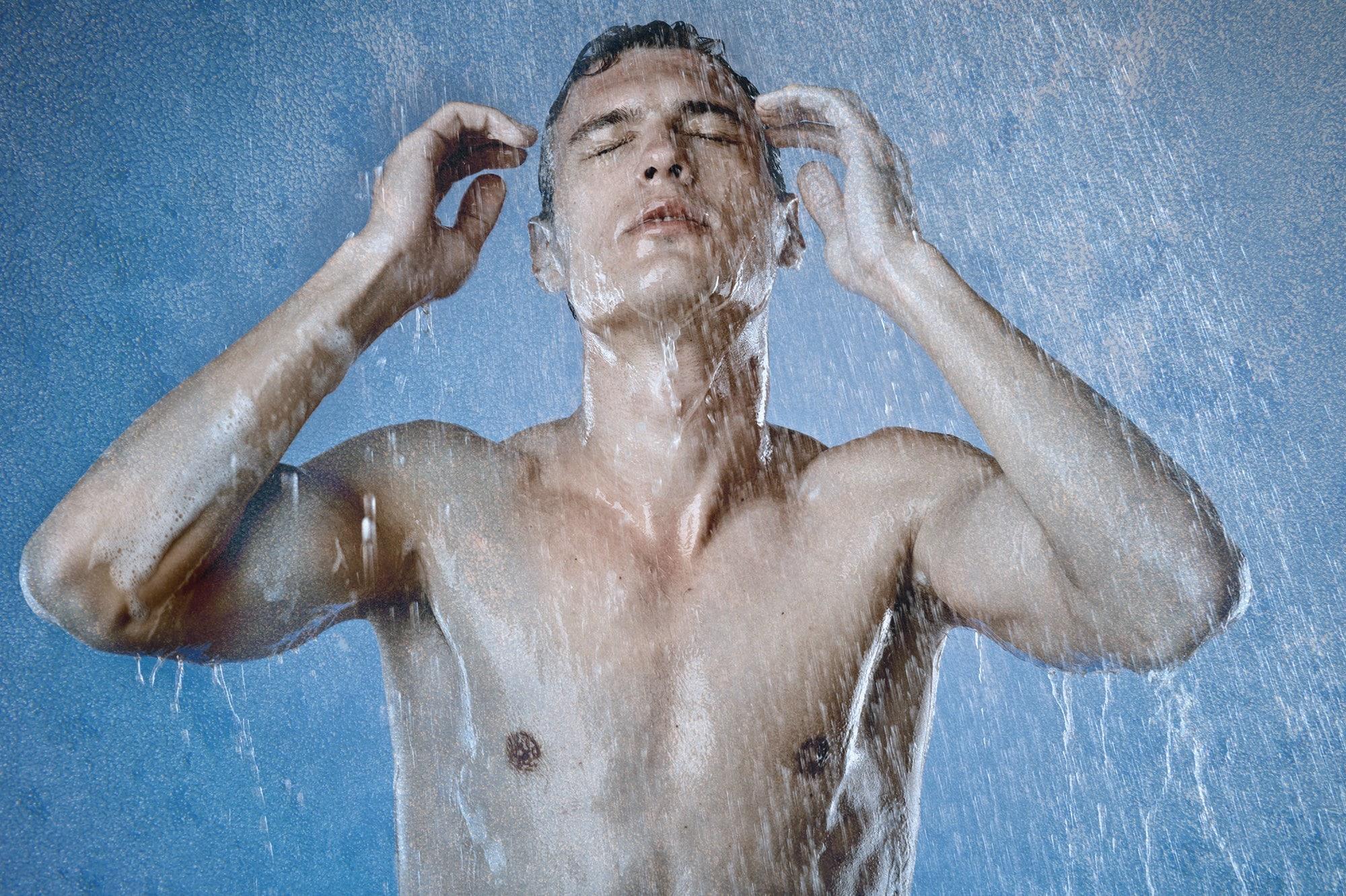 теплый душ в жару