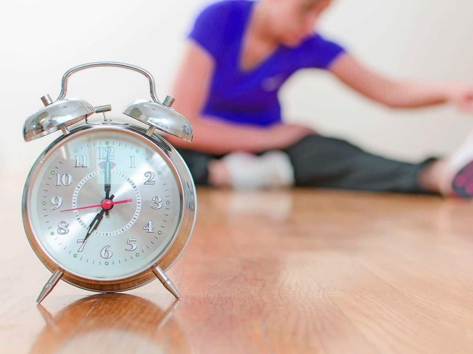В какое время дня тренироваться? Лучшее время для сжигания калорий и наращивания мышечной массы