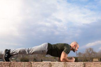 5 веских причин включить упражнение «планка» в программу тренировок
