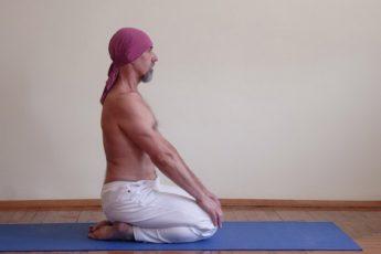 Как вылечить боли в спине с помощью йоги