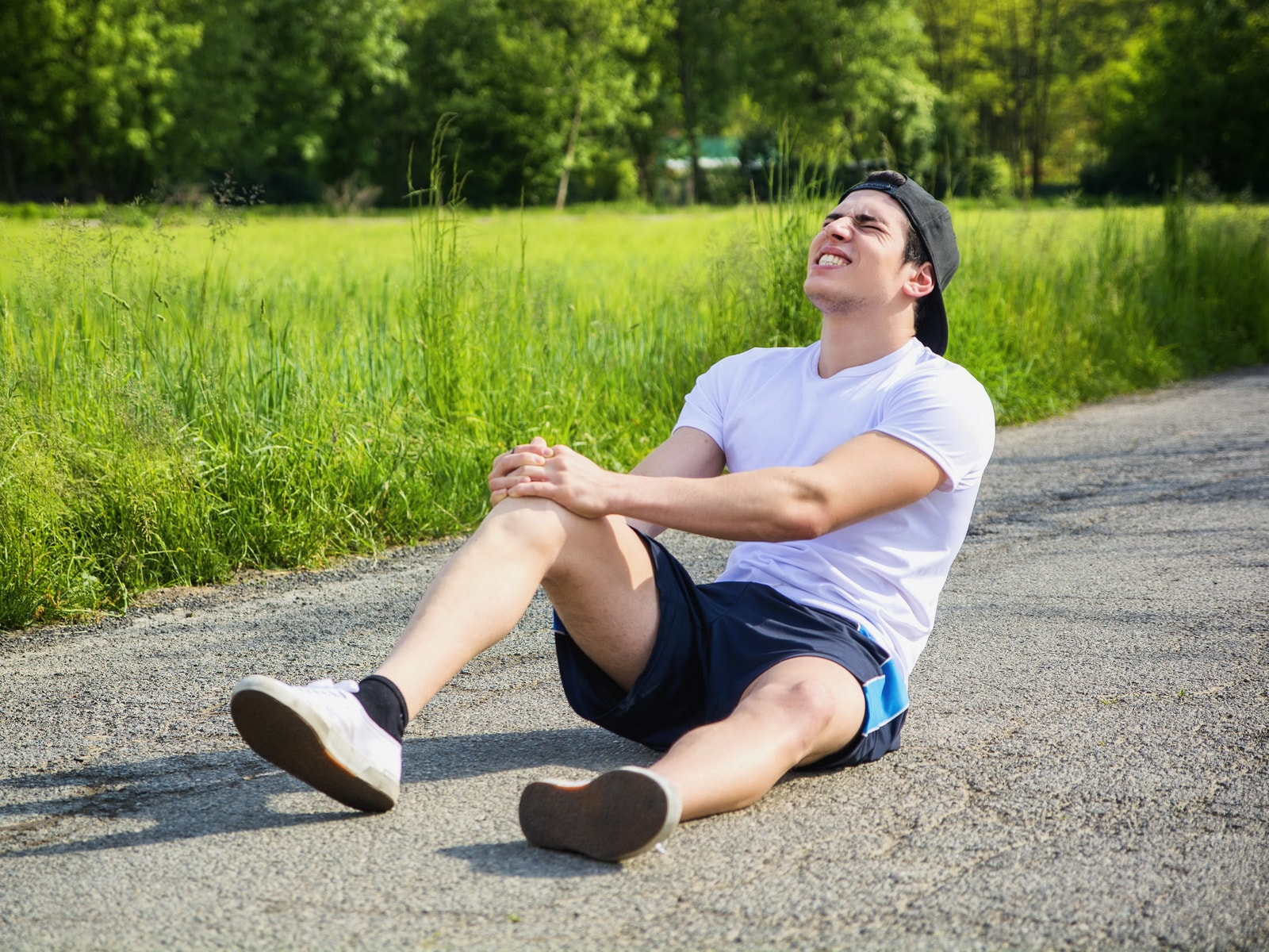 после бега болят колени что делать